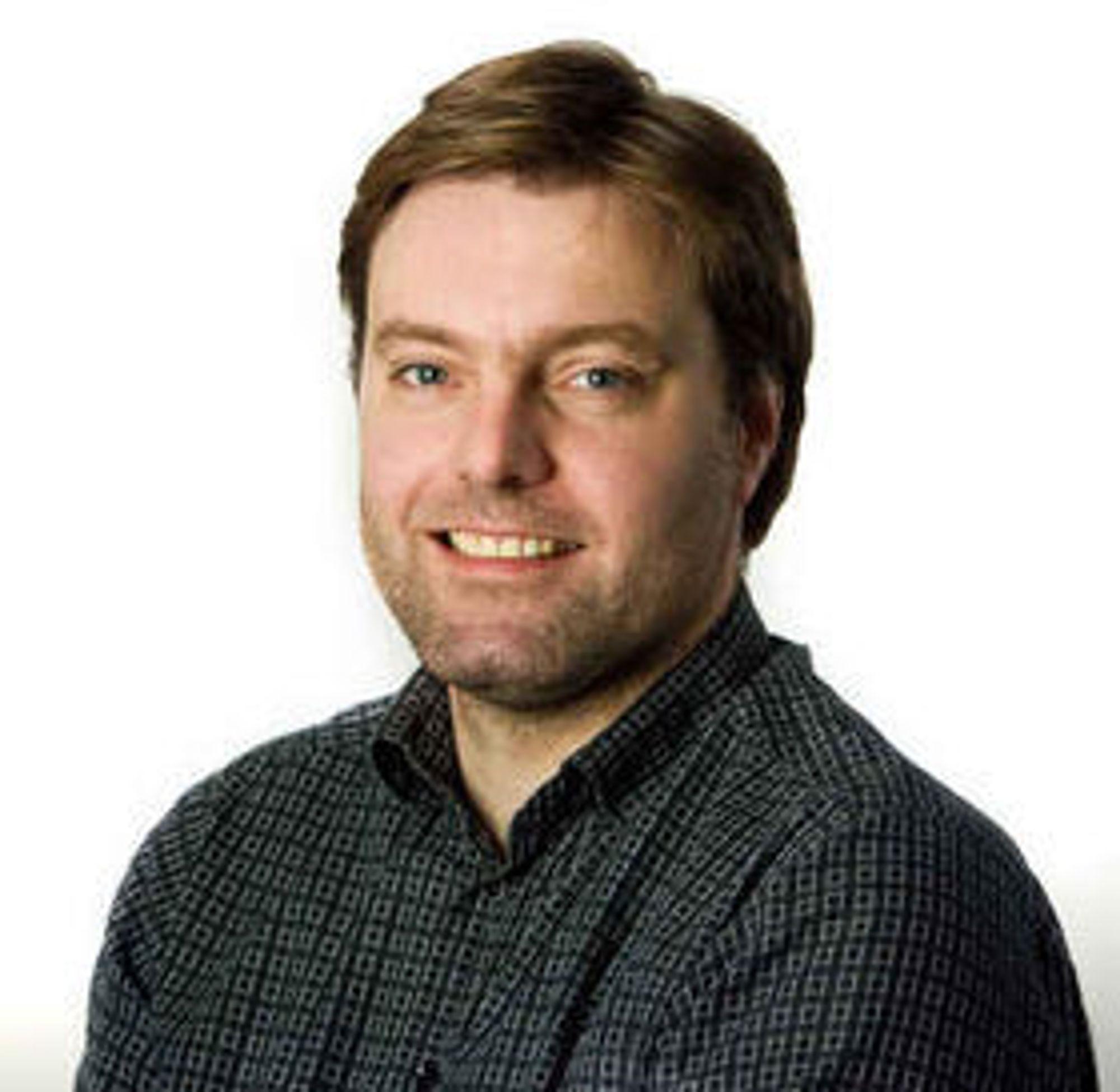 Anders Brenna er styremedlem i Digitalt Personvern og teknologievangelist i Knowit.