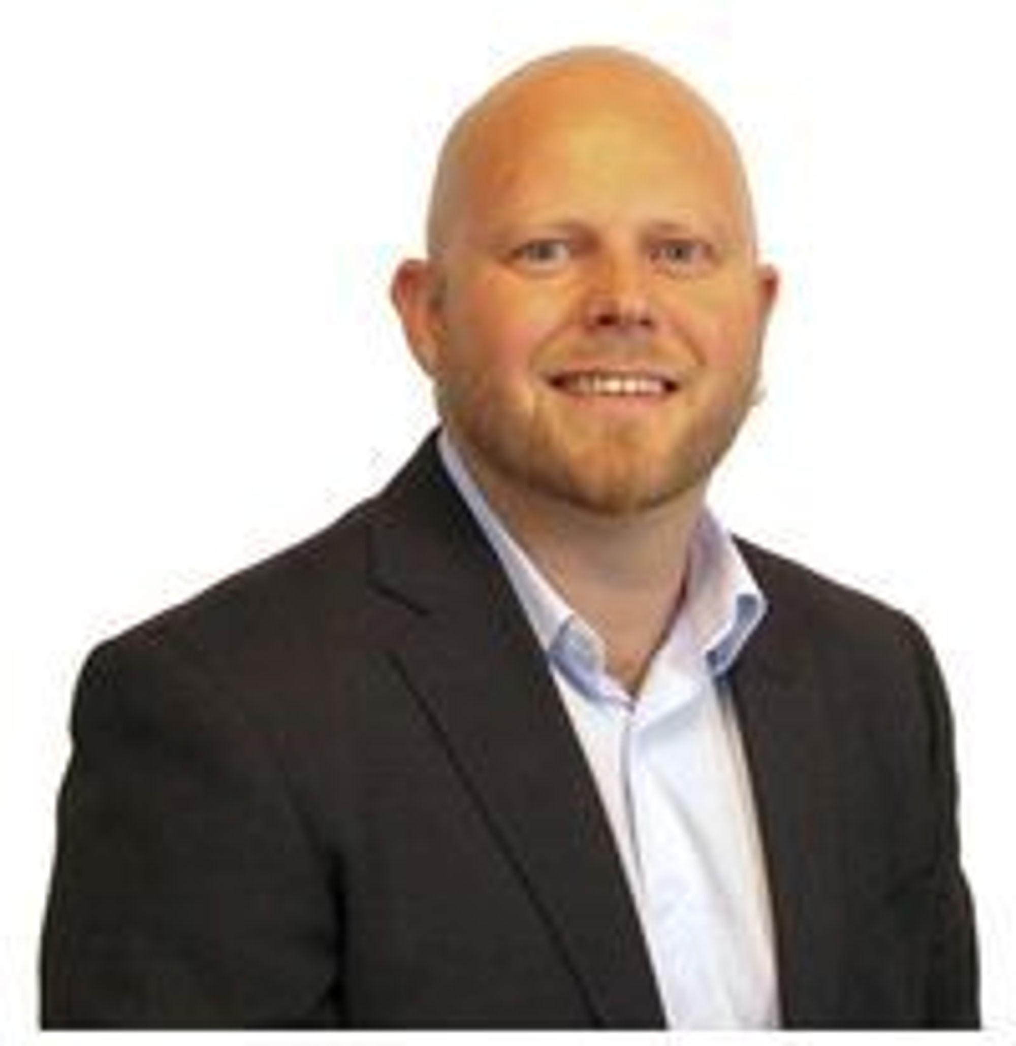 Tor-Ludvig Wårøy introduserer et nytt mobilmerke på det norske markedet.