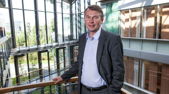 Accenture, med Roy Grønli i spissen, har 1 000 ansatte i Norge, og de fleste er plassert på Fornebu.