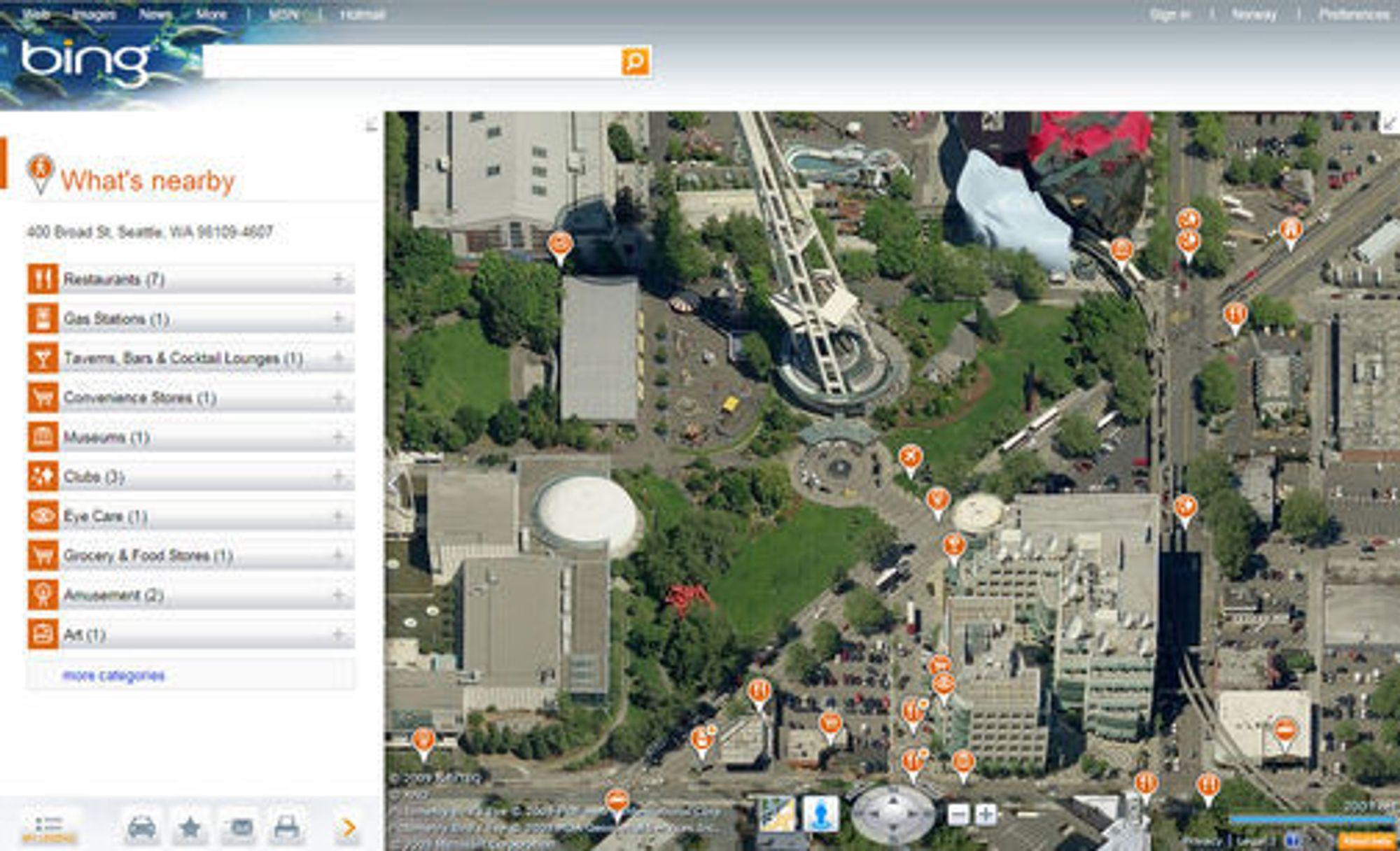 Microsofts Bing Maps Beta. Bildet er fra Seattle, rett i nærheten av Space Needle. Her er «What's nearby»-applikasjonen aktivert.
