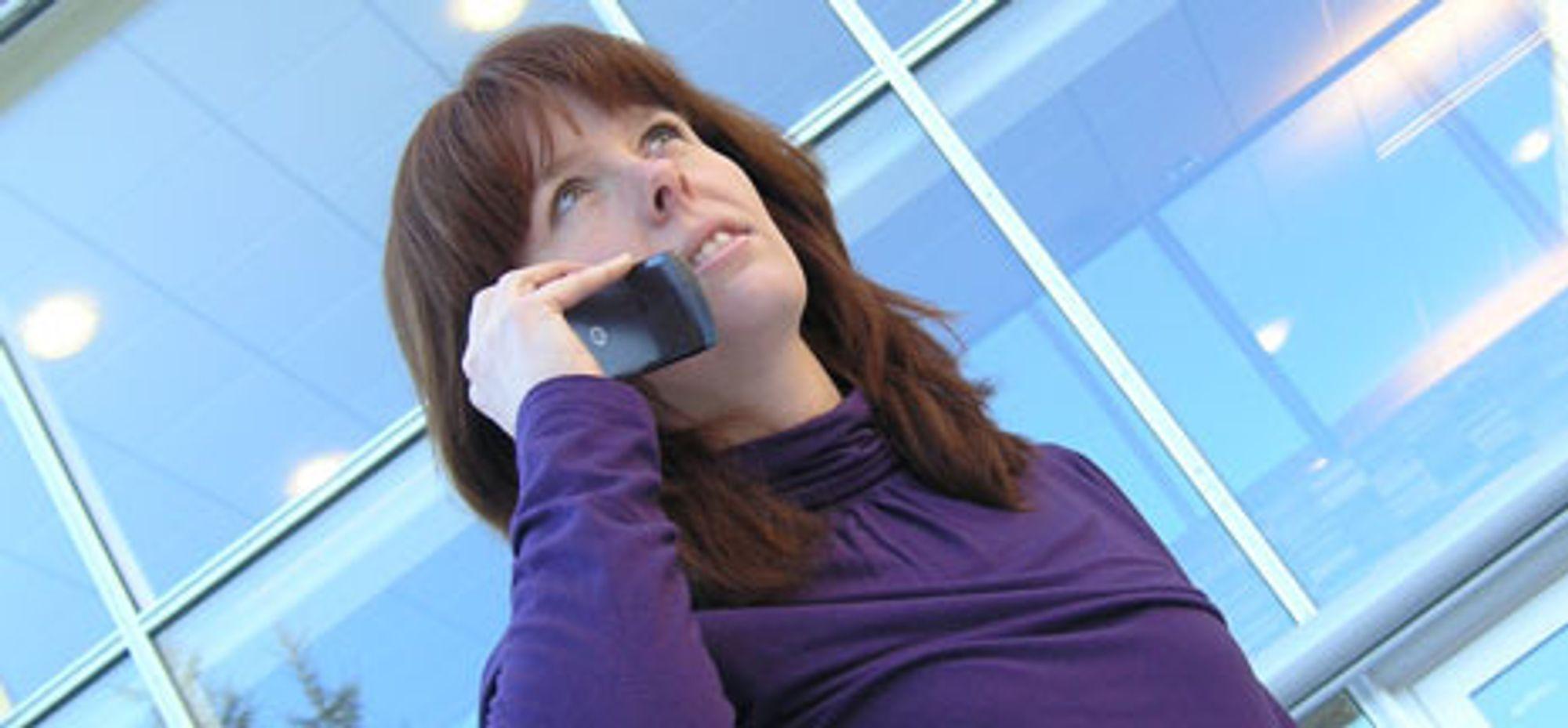 Mobilen utsetter deg for mer stråling enn mobilmastene.