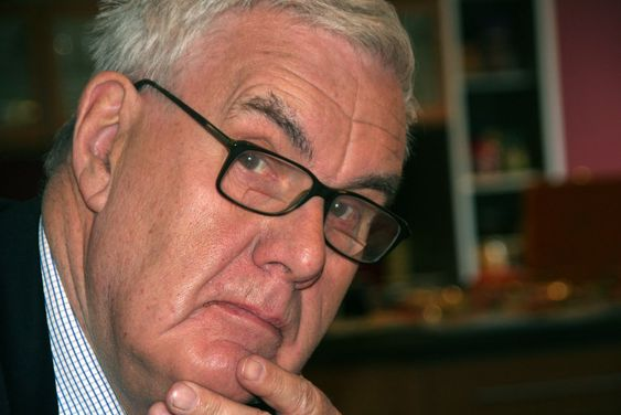 Direktør Georg Apenes i Datatilsynet er ikke overbevist av argumentene for å innføre nettvalg i 2011.