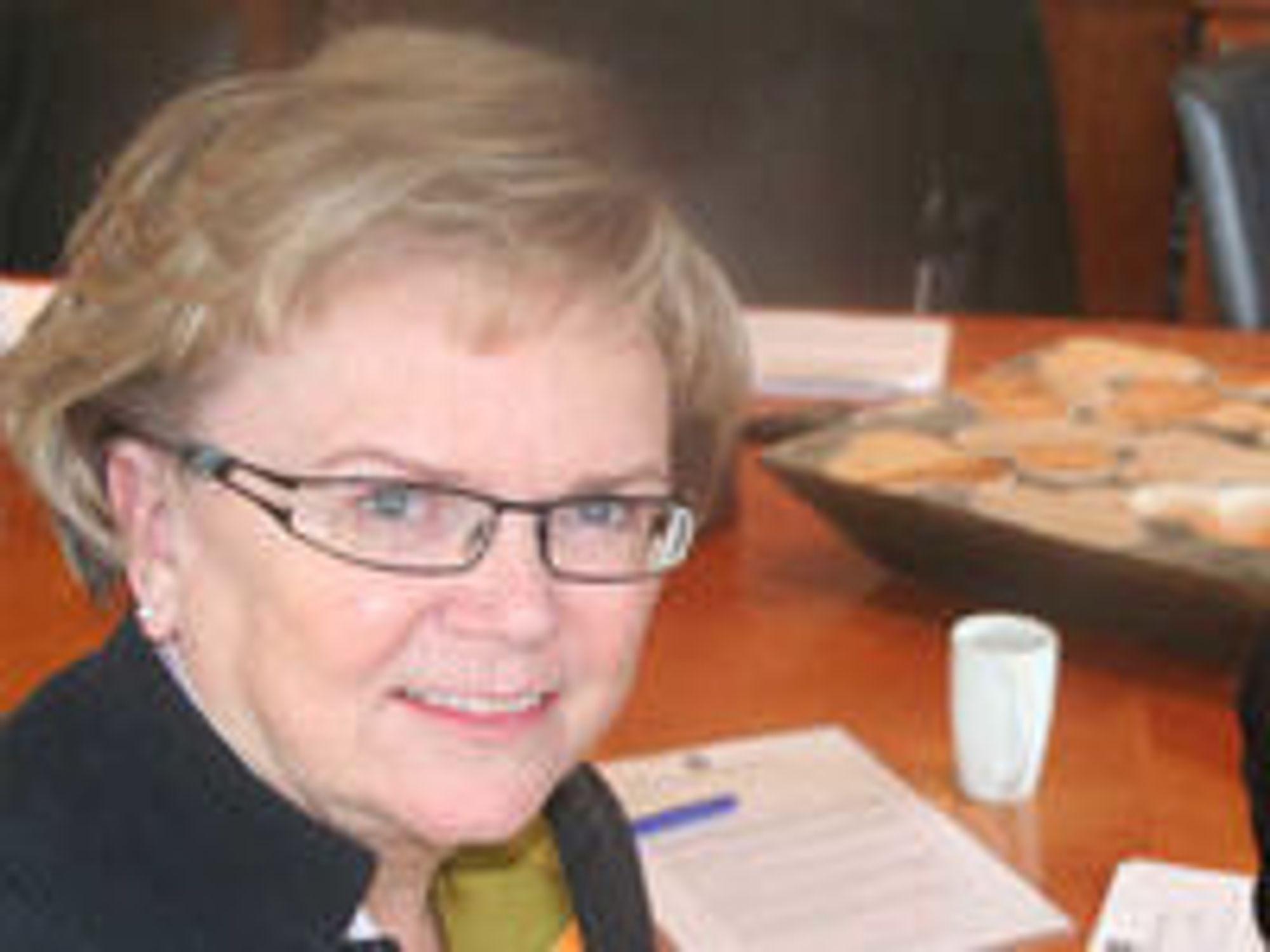 Kommunalminister Magnhild Meltveit Kleppa ønsker seg et spleiselag for bredere bredbånd i distriktene.