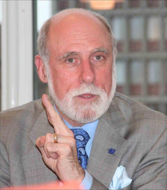 TCP/IP-oppfinner Vinton Cerf står i spissen for en klar advarsel til kongressen.