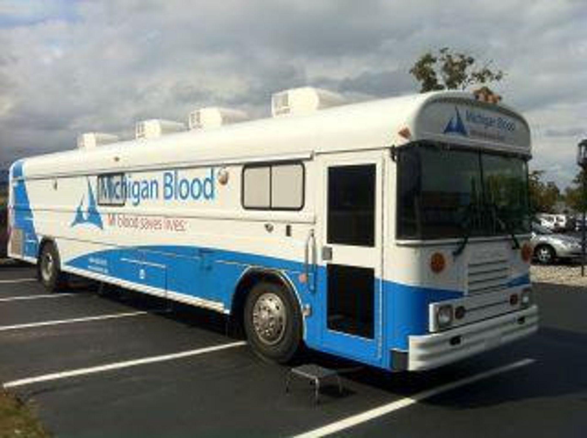 Michigan Blood bruker Aerohive-løsningen ombord i 40 busser. Aksesspunktene utnytter mobilnettet, og IT-tjenestene for de ansatte er som om de satt i bedriftens lokalnett.