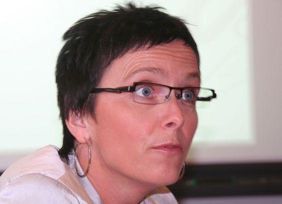 Heidi Grande Røys vil ha 6-timers dagen fram i den offentlige debatten.