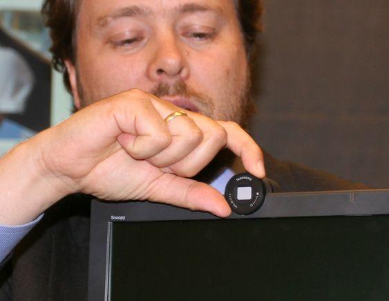 """Videotelefonen har en egen lukkemekanisme foran kameralinsa, et såkalt """"privacy cover"""" som sikrer privatliv hvis det skulle være ønskelig."""