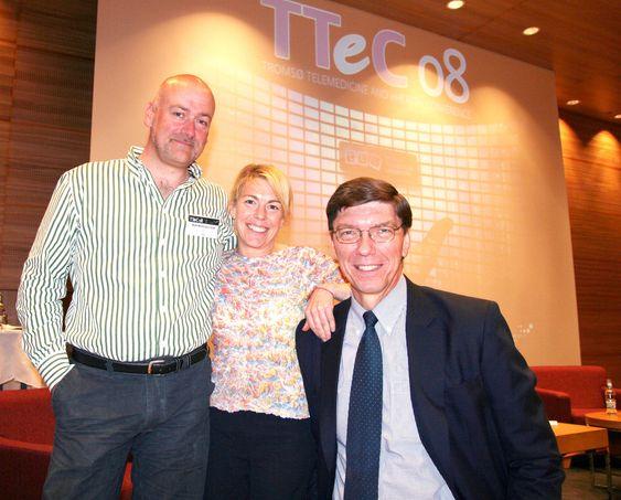 Anna Kirah sammen med Mark Mattingley-Scott og hennes store fan Harvard-professor Clayton M. Christensen på TTeC. Foto: Jarle-Stian Olsen (NTS)