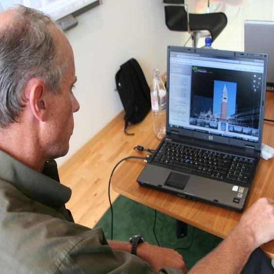 Anders Føyen ved Microsoft Norge demonstrerer Photosynth.