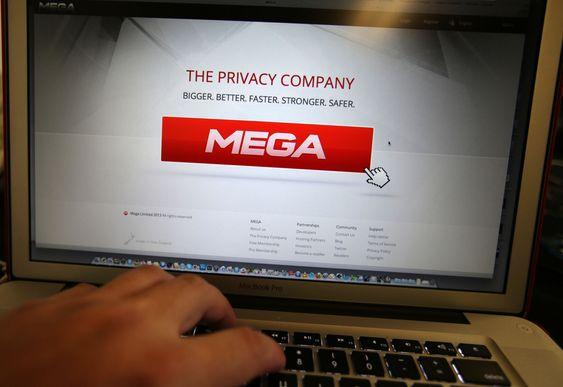 En million brukere registrerte seg søndag på Mega- Kim Dotcoms nye filtjeneste.