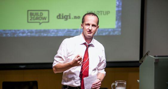 Mark Burgess startet som fysiker men endte opp som informatikk-professor og programvaregründer.