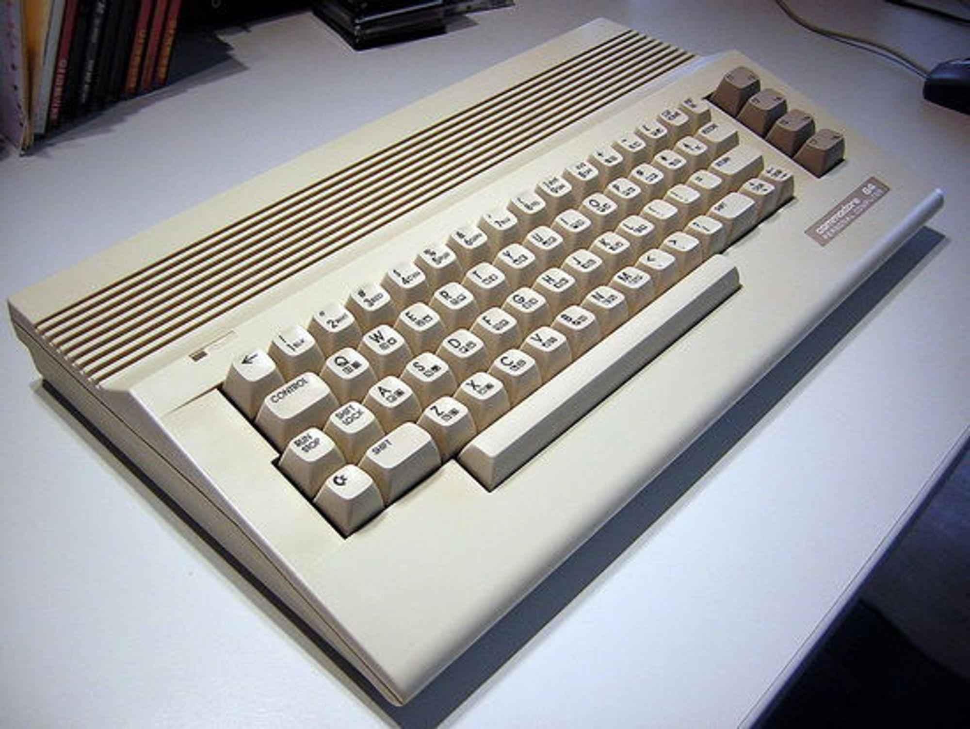 Den slankere Commodore 64C-utgaven.