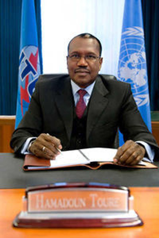 ITUs generalsekretær Hamadoun Touré ber om bidrag til å gjenreise teleinfrastruktureni flomherjede Pakistan.