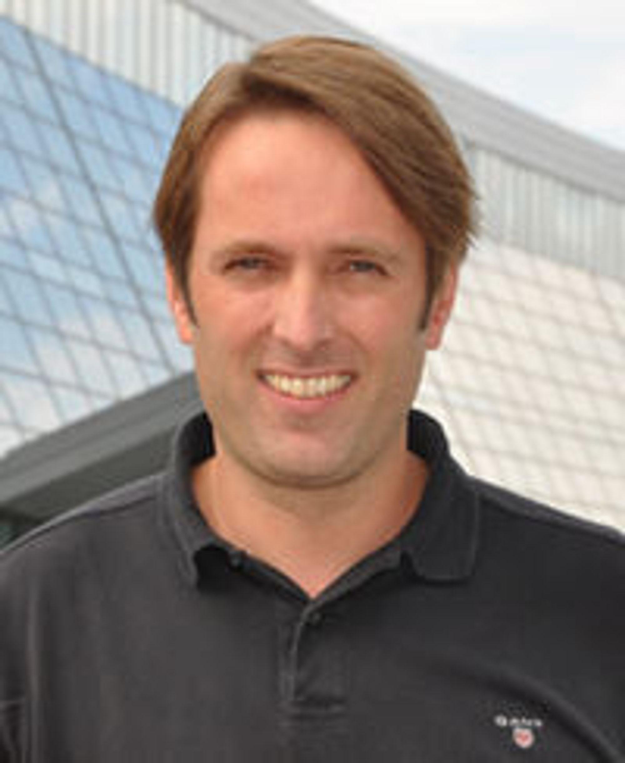 Satser på WAC i Serbia. Telenors prosjektleder Rune Slinning.