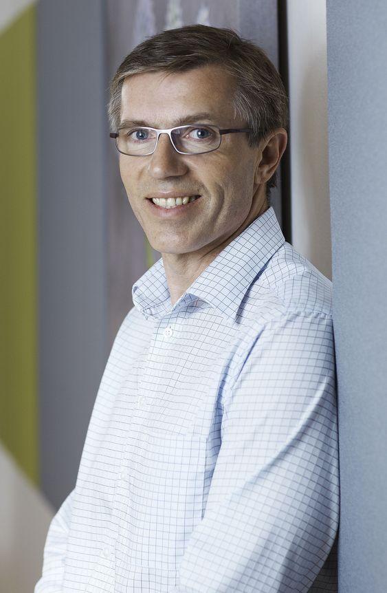 Overraskende få som får smart mobiltelefon gjennom jobben, mener Kristian Fæste i Xtra Personell.