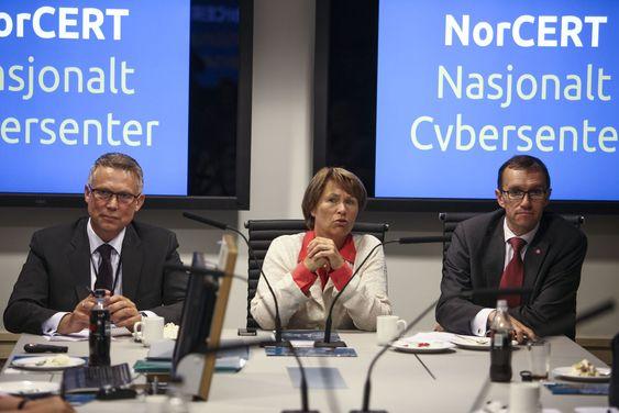 Statsrådene understreket at sikkerhetsarbeidet ved NorCERT får stor oppmerksomhet fra regjeringen.