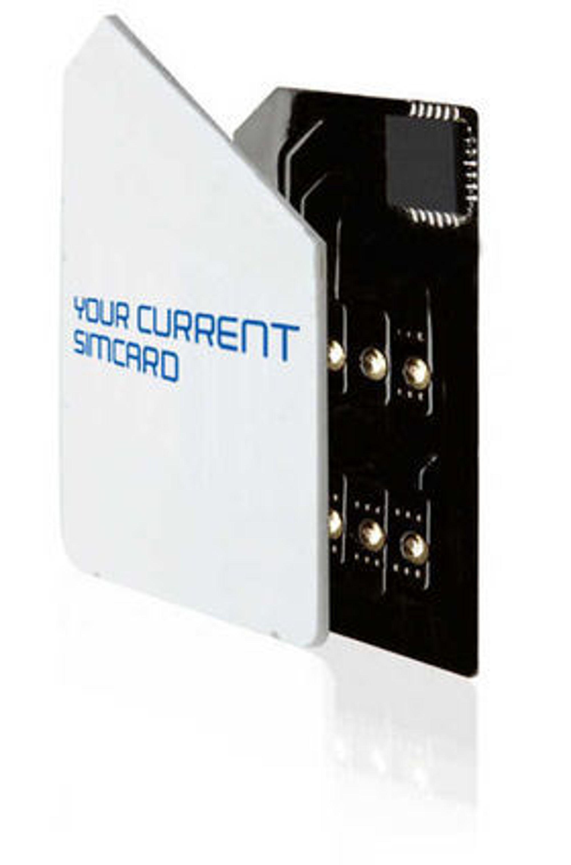 SIM-plasteret til Interfone festes til det vanlige SIM-kortet og skal passe til alle mobiler. En løsning for micro-SIM loves i løpet av sommeren.