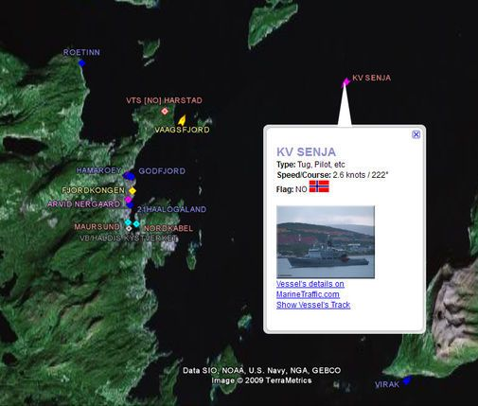 Posisjonsinformasjon om skip fra Marine Traffic vist i Google Earth. Her med mer informasjon om kystvaktskipet KV Senja, som i skrivende stund lå utenfor Harstad.