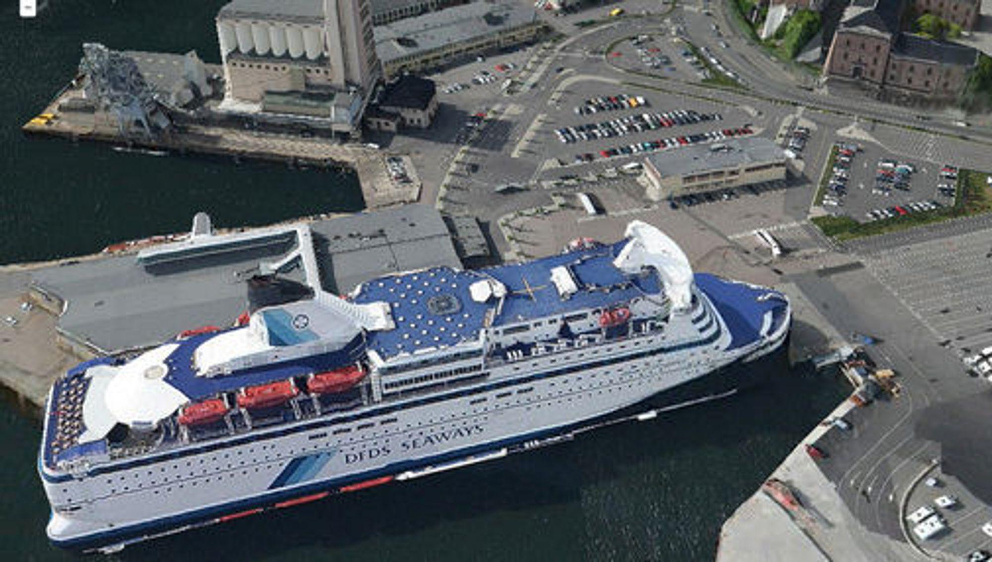 Her ligger en tredimensjonal modell av danskebåten til kai ved Vippetangen i Oslo.(Foto: Sesam 3D kart)