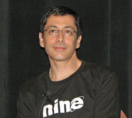 Dean Hachamovitch (bildet) og resten av IE-teamet til Microsoft hadde tjent på litt mer ydmykhet, skriver digi.nos journalist i denne kommentaren.