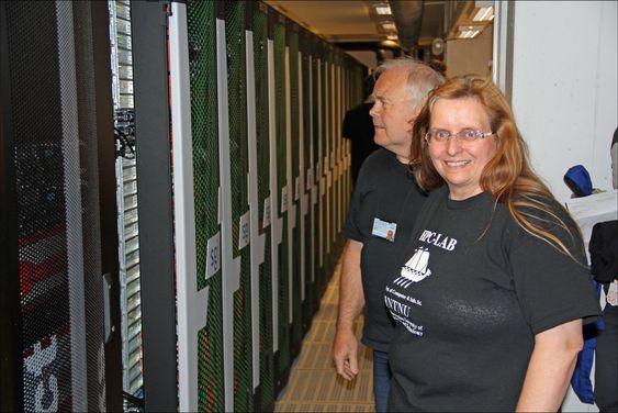 Den kraftigste superdatamaskinen i Norge, NTNUs Vilje. Her sammen med Anne Cathrine Elster og Arve Dispen ved NTNU.