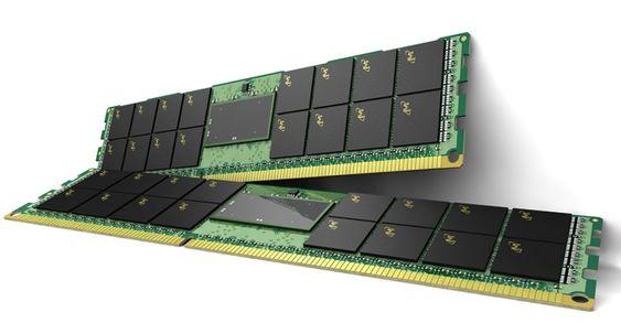 Minnemoduler av typen LRDIMM fra Micron.