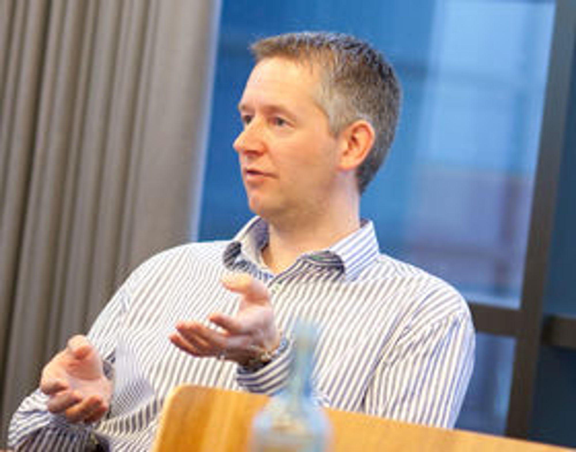 Siv.ing. og teknisk rådgiver Torgeir Lindmo i Telenor har undersøkt smartmobilens påvirkning på mobilnettet.