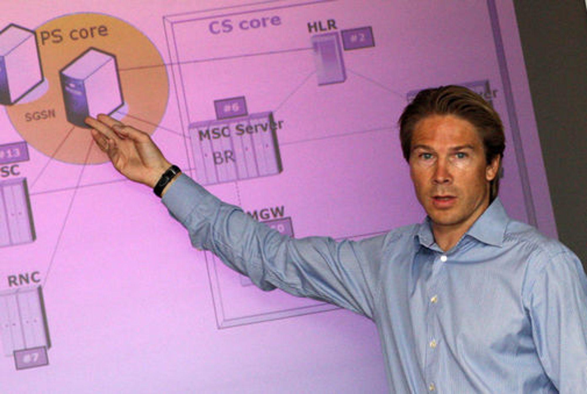 Teknologidirektør Rolv-Erik Spilling redegjorde for feilen i Telenors mobilnett.