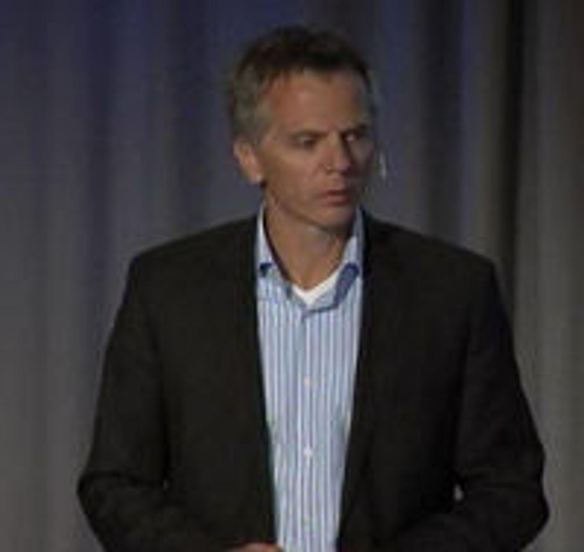 Ragnar Kårhus, leder for Telenor Norge, under pressemøtet torsdag.