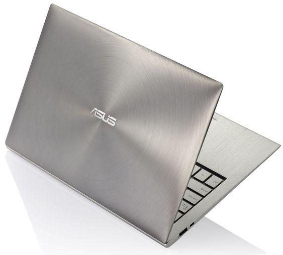 Asus UX21 er laget i aluminium.