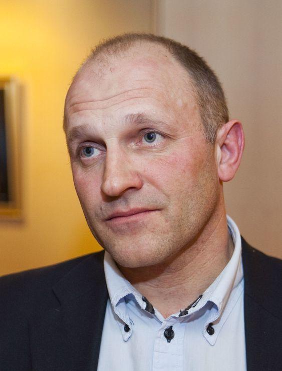 - Stadig flere føler seg krenket på nett, sier NorSIS-sjef Tore Larsen Ordreløkken. Han ønsker seg bidrag fra private aktører for finansiere Slettmeg.no.