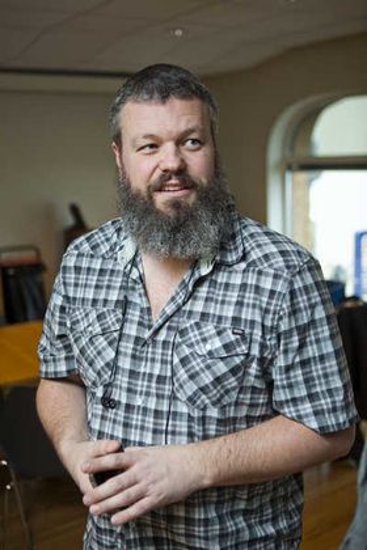 DLD-lagringen kan koste flere hundre millioner kroner årlig, ifølge anslag fra IKT-Norge og direktør for internett og nye medier, Torgeir Waterhouse. På møtet representerte han rundt 200 ekomtilbydere.