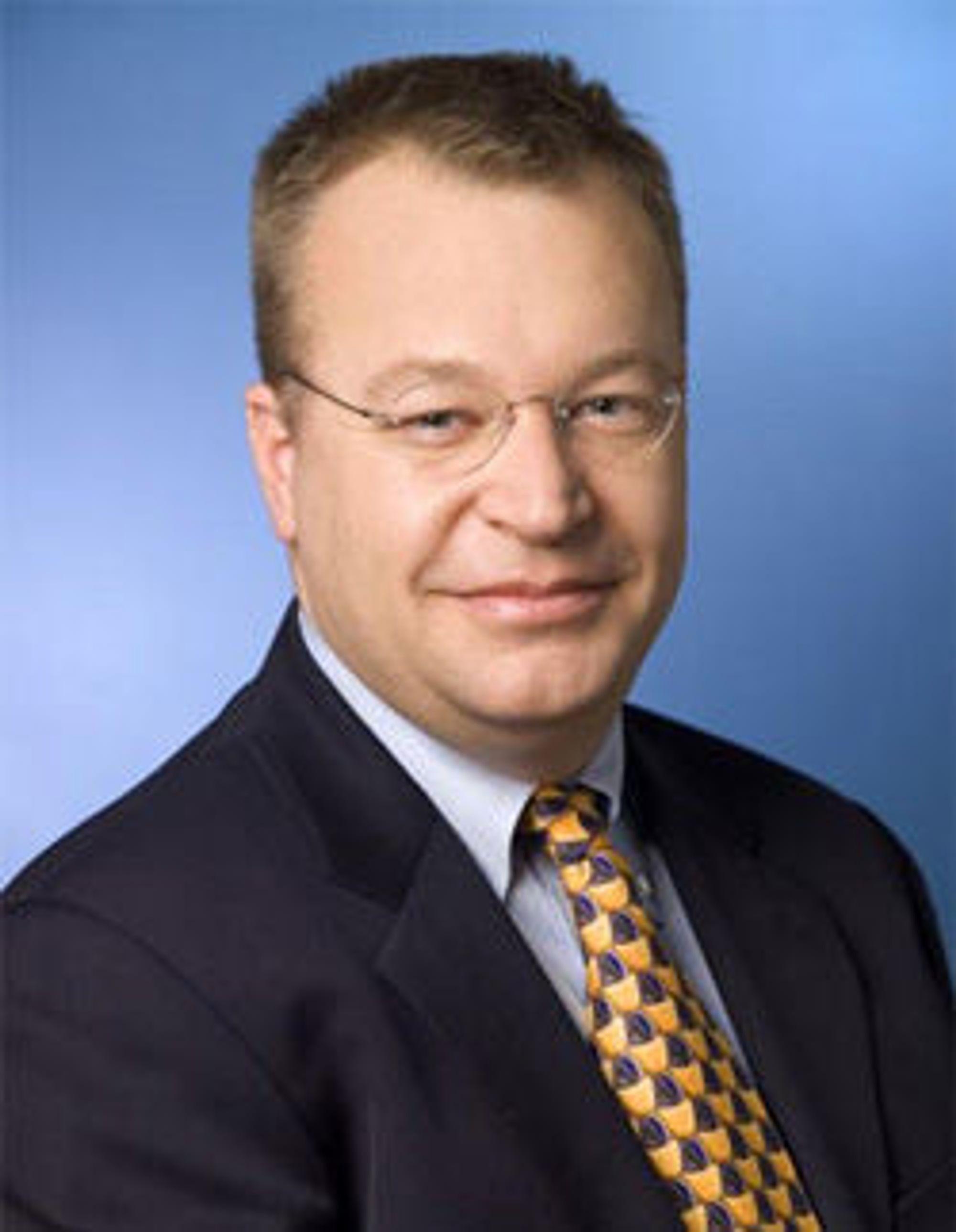 Nokia-sjef Stephen Elop trenger ny strategi, nye toppledere og kanskje også nytt operativsystem.
