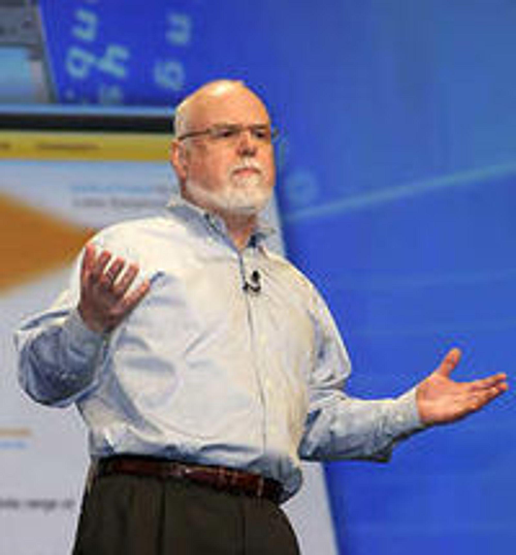 Kevin Cavanaugh erfarer at kundene etterspør applikasjoner til fire plattformer: Apple, Android, RIM og Nokia. (Bildet er tatt på Lotusphere 2008.)