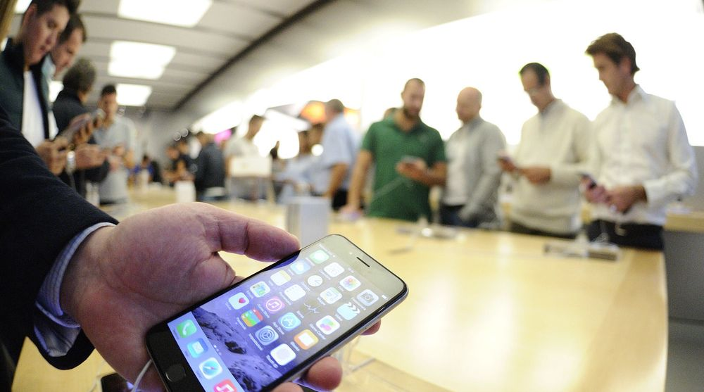 TRAFF PLANKEN: Apple kom sent med store smartmobiler, men gjør det nå svært godt med nye iPhone 6-serien.