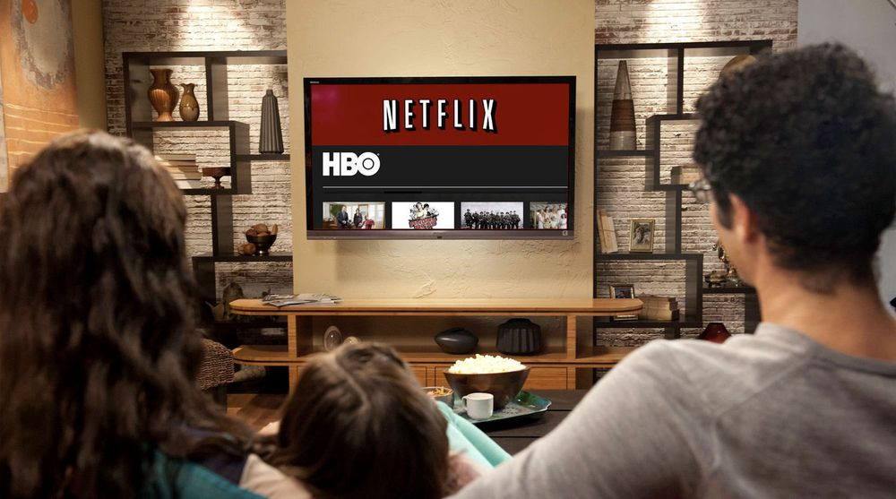 Krigen om strømmetjenester som leverer tv-serier, dokumentarer og film over nettet hardner til. HBO varsler en ny konkurrent til Netflix neste år. Sistnevnte skuffet i går markedet med lavere vekst enn varslet, mye grunnet en prisøkning.