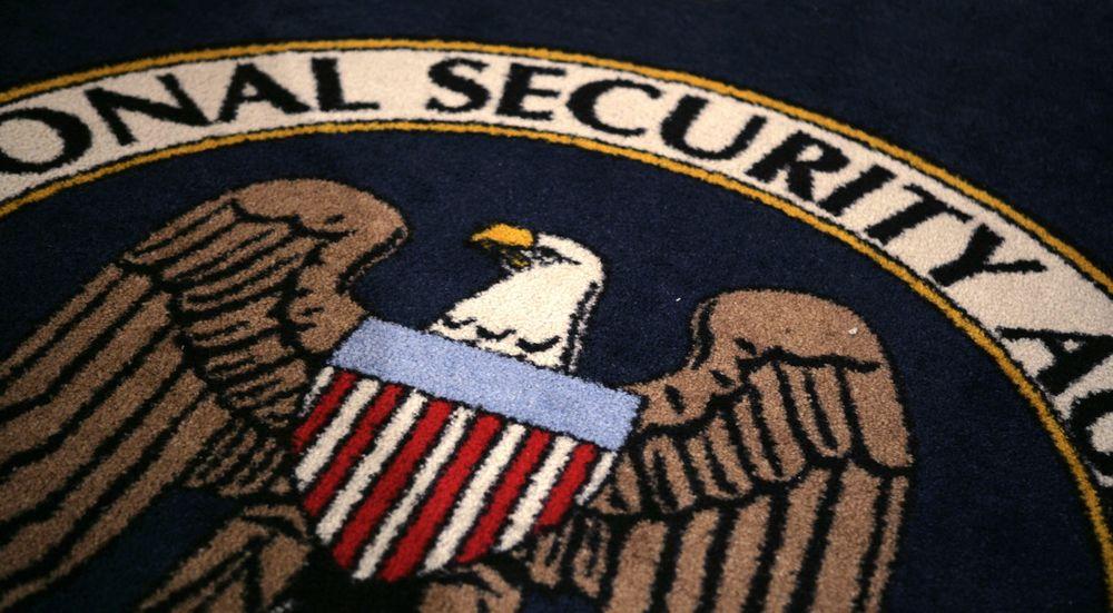 NSA har både offensive og defensive oppgaver. Derfor avslører etaten mange av de sårbarhetene den finner. Mange er likevel krititiske til at NSA hemmeligholder andre sårbarheter.