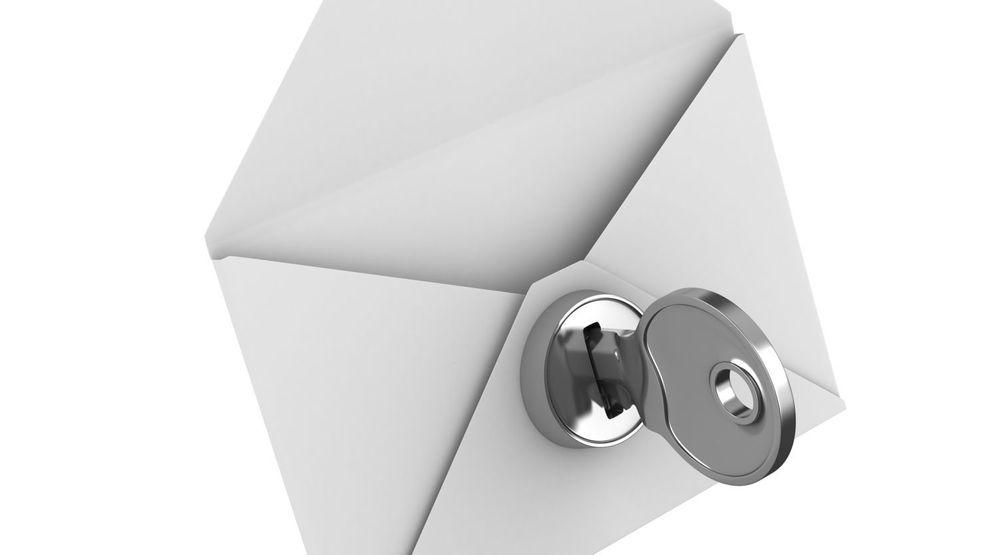 Løsningen som Microsoft har tatt i bruk nå, innebærer ikke at hver enkelt e-postmelding er kryptert hele veien fra avsender til mottaker, men at selskapet ikke lenger alltid sender eller mottar meldingene via ukrypterte forbindelser når de skal overføres til eller fra serverne til andre e-posttjenester.