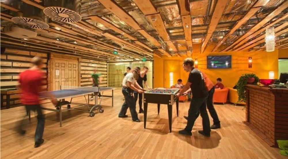 Fra hyggeligere tider ved Googles kontor i den russiske hovedstaden Moskva, som også er medgründerens fødeby.