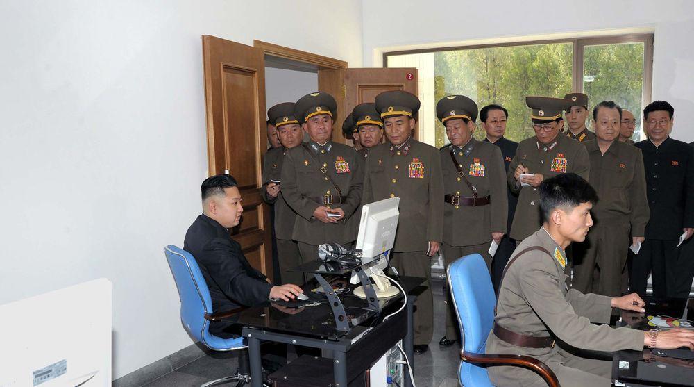 Nord-Korea håndplukker unge og talentfulle hackere til en elitegruppe med kybersoldater, sier avhoppere.