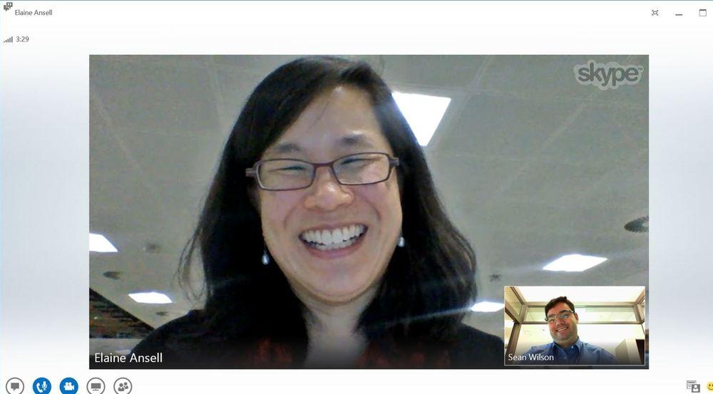 Videosamtale mellom Lync og Skype, sett fra Lync-brukerens side.
