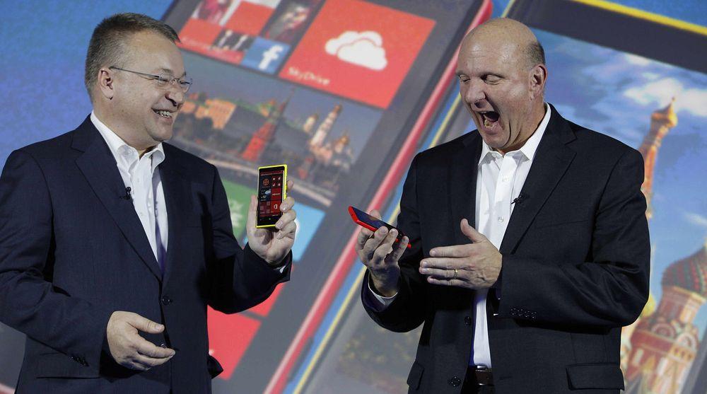 Stephen Elop (fra v.) var nødt til å foreta seg noe, men kjørte neppe Nokia i grøfta for at Microsoft kunne overta selskapet billig, mener teknologidirektør Per Buer i Varnish i dette leserinnlegget.