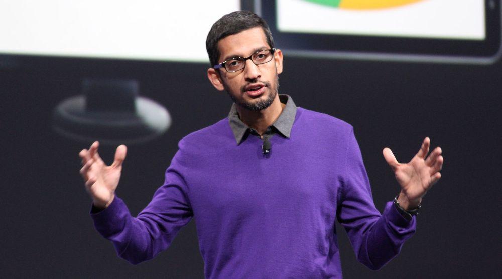 Nå skal Sundar Pichai favne over enda mer i Google. Her er han avbildet under en presentasjon av Chrome-nyheter under Google I/O-konferansen i 2013.