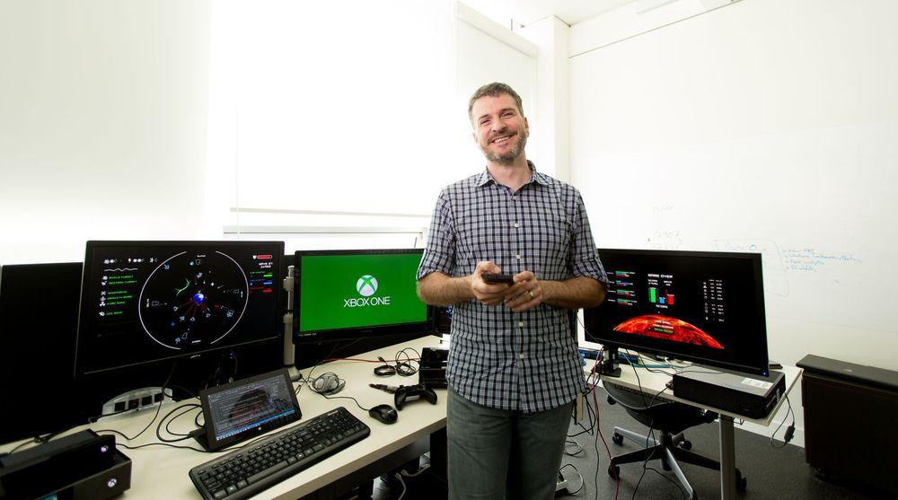 Appene finnes til mange plattformer. Her viser Stephane Morichere-Matte et spill til Xbox One.