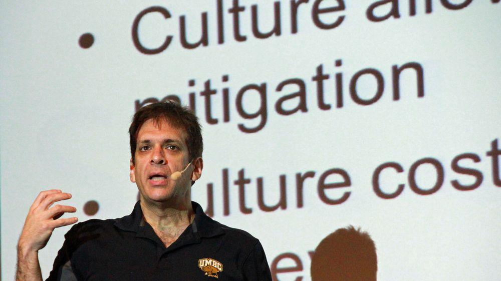 Ira Winkler var blant foredragsholderne under ISFs høstkonferanse i denne uken, hvor han anbefalte en spilllignende tilnærming når bedriften skal gjøre de ansatte mer bevisste på IT-sikkerhet.