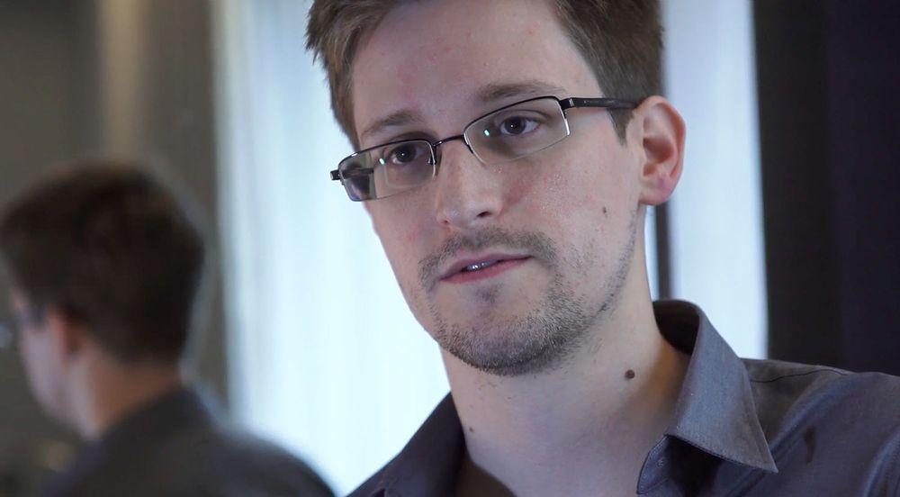 Den spionsiktede NSA-varsleren Edward Snowden har fått jobb i Russland.