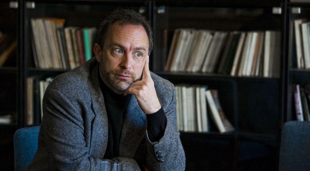 Wikipedia-gründer Jimmy Wales ber PR-folk avstå fra å ta oppdrag om direkte redigering av artikkelsider.
