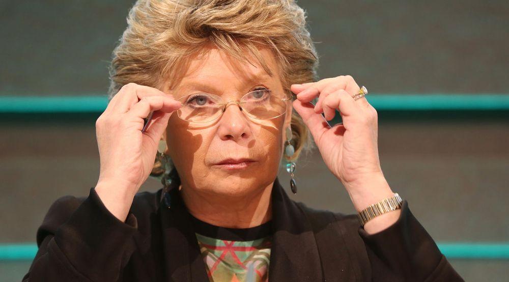 SKJERPER STRAFFENE: Virksomheter som bryter EUs nye personverndirektiv kan vente seg saftige bøter. Justiskommissær Viviane Reding (bildet) er utålmodig og ønsker reformen vedtatt så raskt som mulig.
