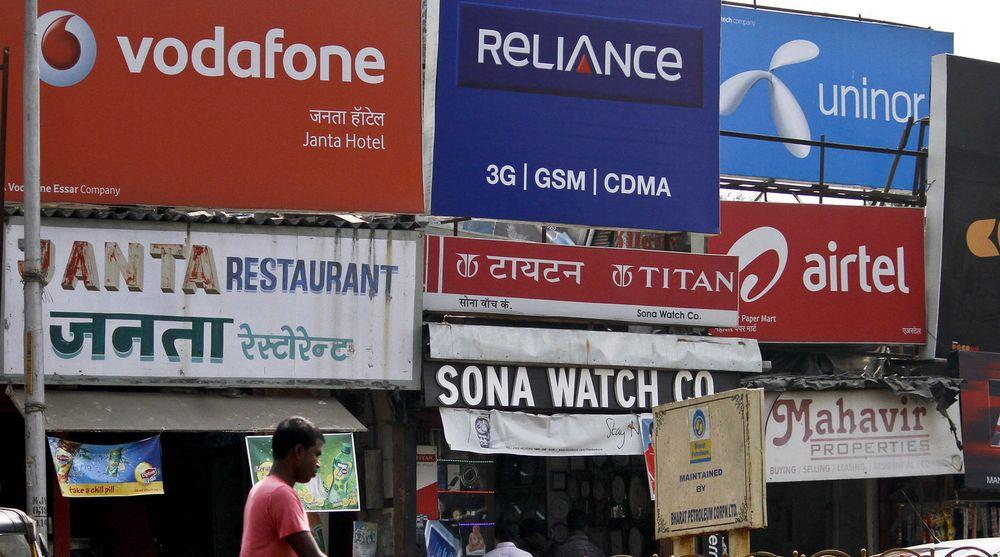 Det er hard konkurranse på mobilmarkedet i India.
