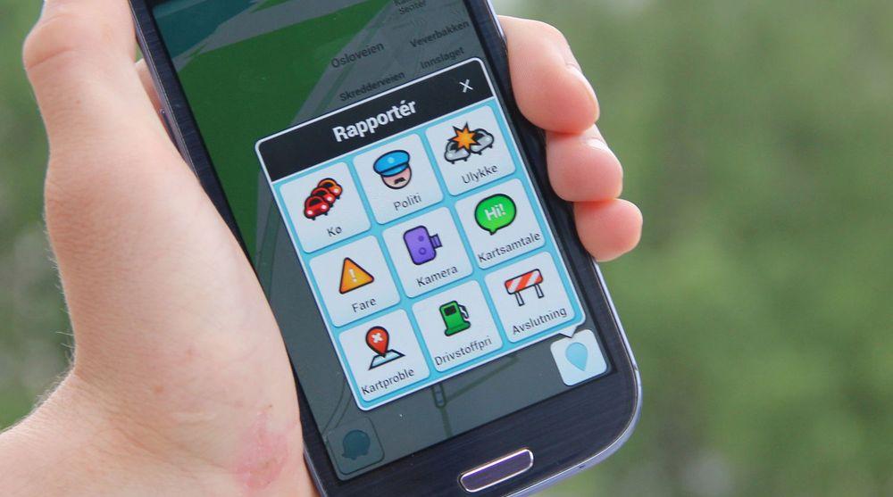 Waze gir brukerne blant annet mulighet til å varsle andre brukere om ulike hindringer i veien.